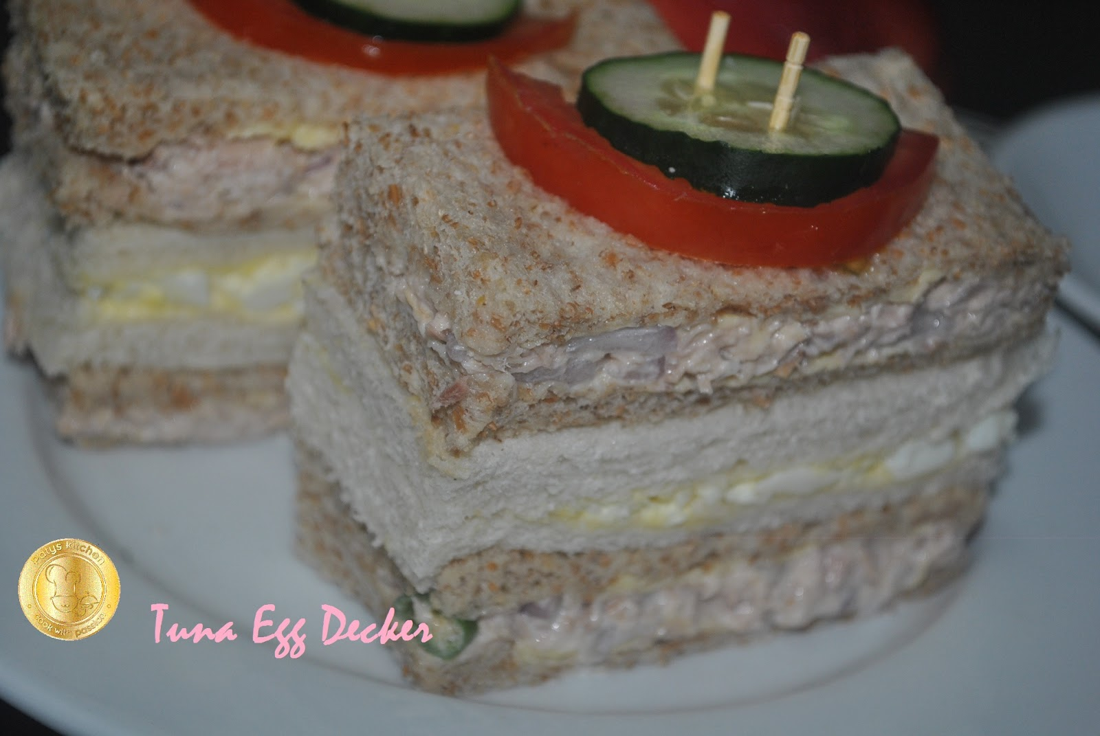 Patyskitchen tuna eggs decker sandwich for Tuna and egg sandwich