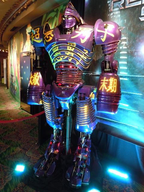 Noisy Boy Real Steel animatronic robot