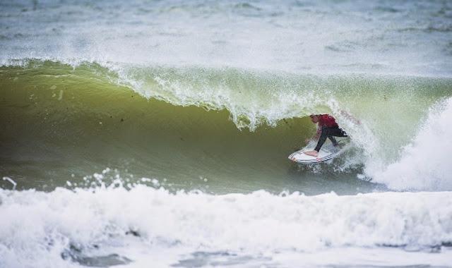 23 2014 Moche Rip Curl Pro Portugal Kolohe Andino USA Foto ASP Damien%2B Poullenot Aquashot