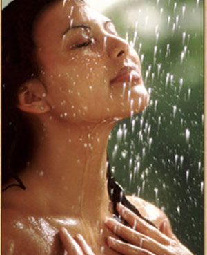 Skin care tips for oily skin in rainy season