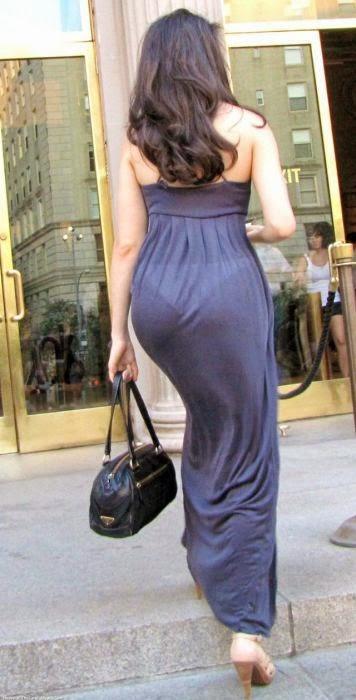 Частные девушки в прозрачных платьях