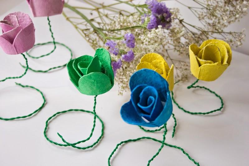 DiariodecoSpring: Diy flores con hueveras de cartón11