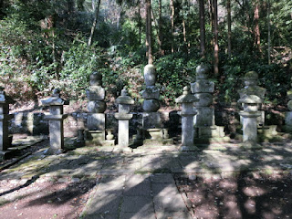 稲葉一族の墓