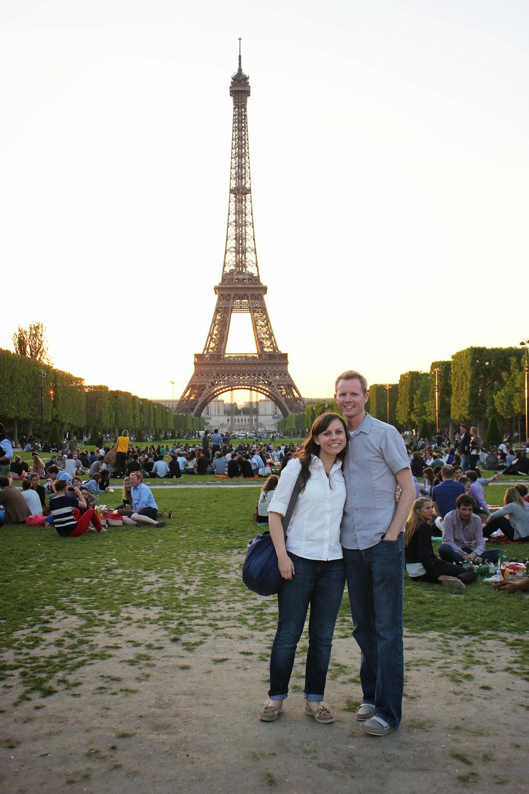Eiffel tower date for Romantic evening in paris