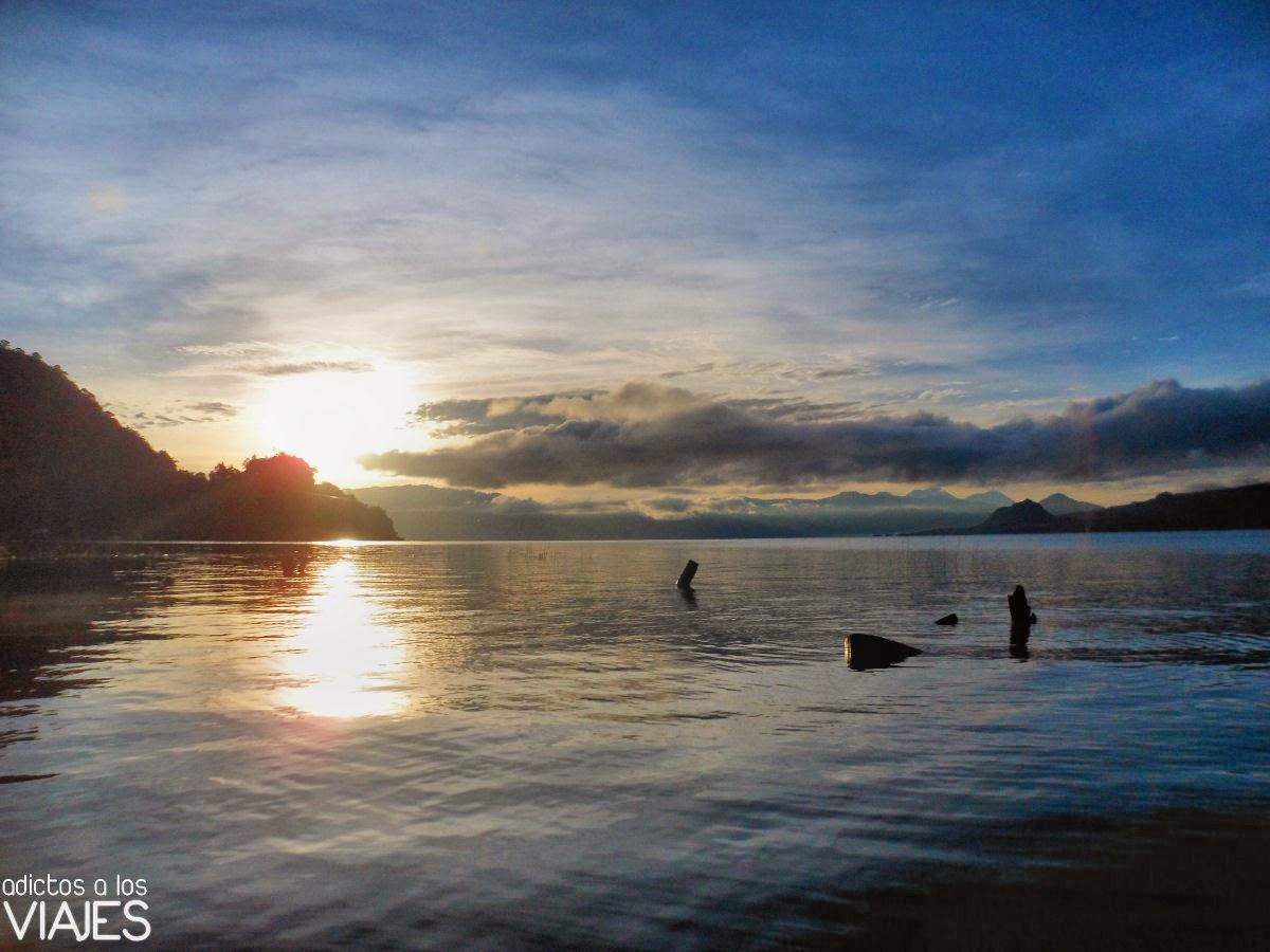 amanecer en Lago Atitlan, Guatemala
