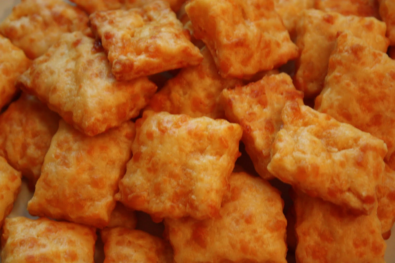 Christy: Cheddar Crackers (faux Cheez-Its)