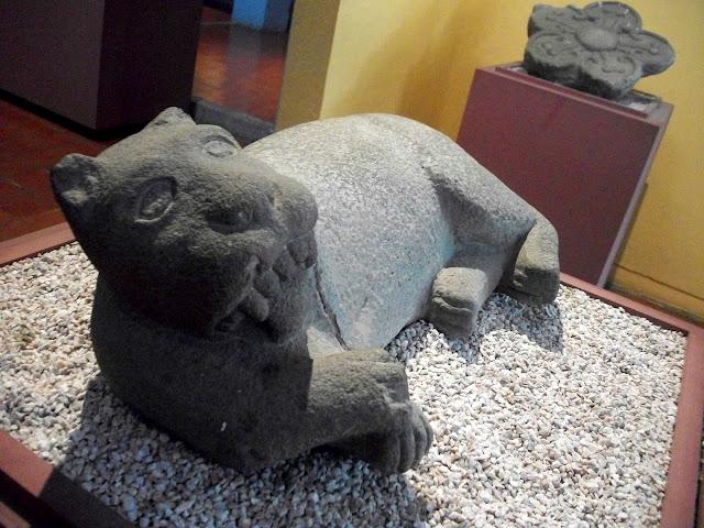 Escultura de jaguar Mexica