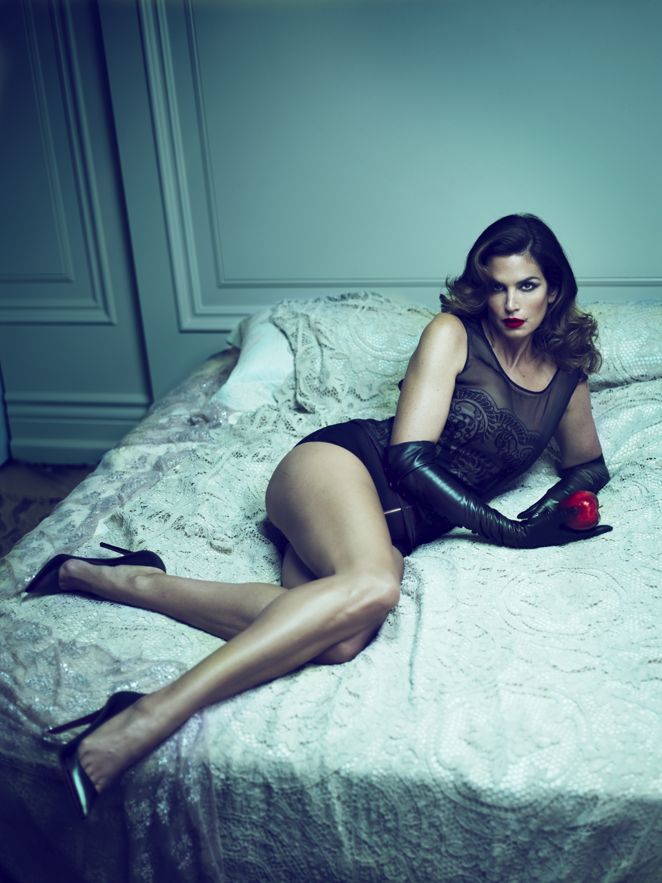 Cindy Crawford looks amazing for her age