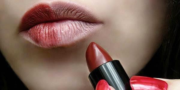 Tips memilih warna lipstik untuk bibir gelap