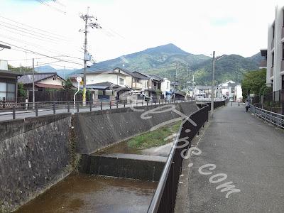 Canal Path to Shugakuin Villa