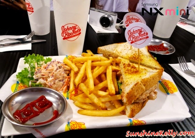 Samsung NX Mini Smart Camera, Photo Marathon Challenge, malaysia historical building, avenue k, johnny rocket's, grilled chicken sandwich