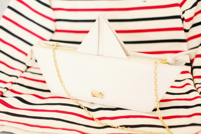 Desired Moschino Cheap Chic Pre Spring 2013 Paper Boat Leather Bag