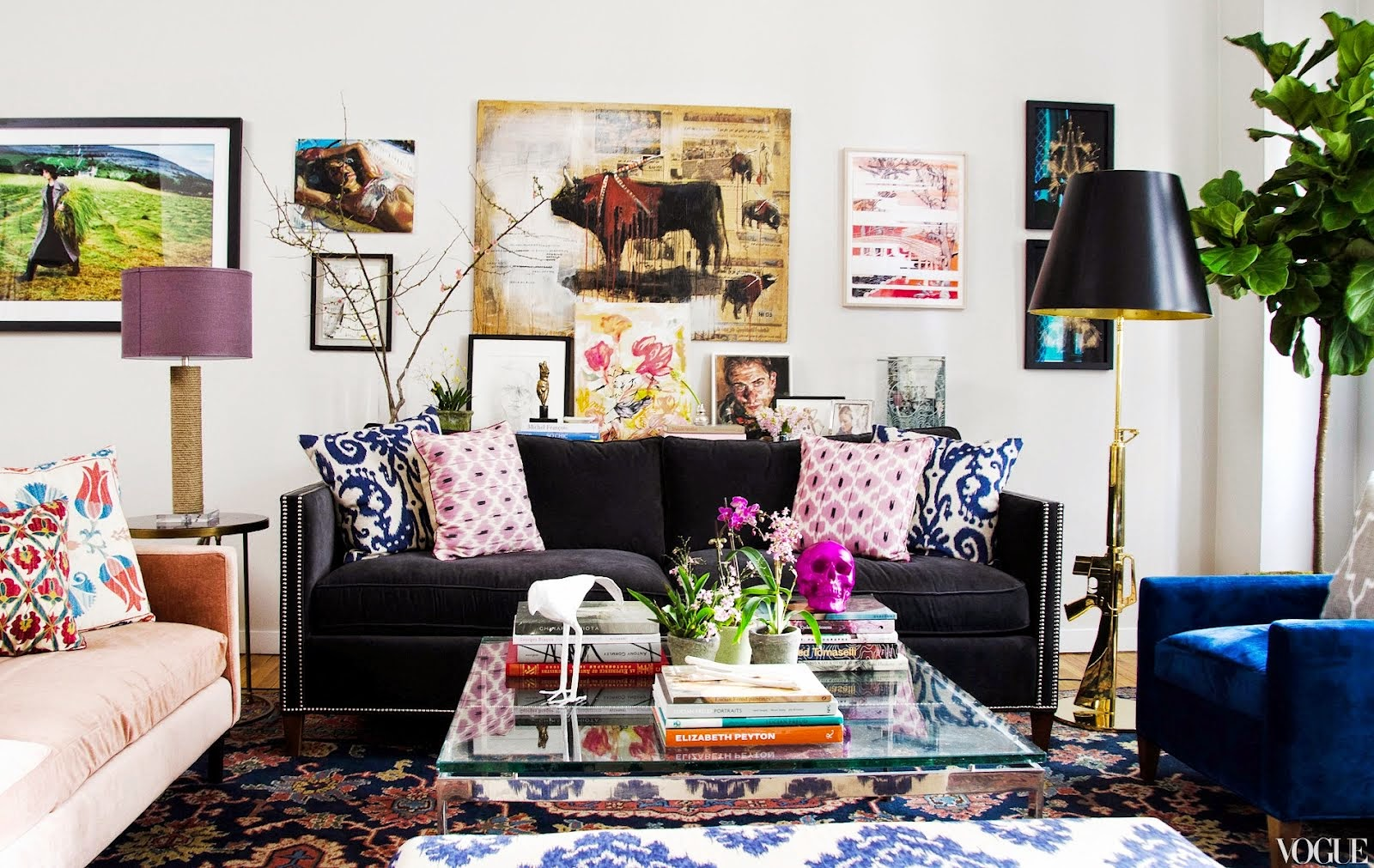 Navy Blue Living Room Decor Living Room With Dark Sofa Beautiful Living Space With Small