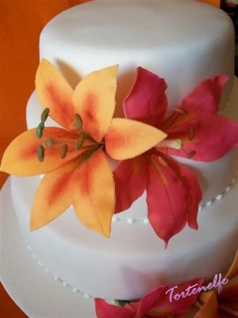 Tortenelfes Blog Backe Backe Kuchen Tutorial Lilien Aus