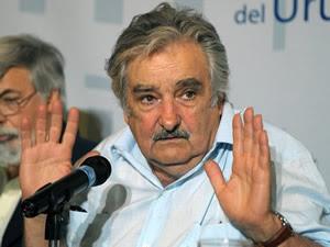 FARABUNTERRA: Mujica, el ícono de una derrota Por Ernesto
