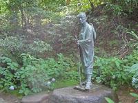 奥の細道の松尾芭蕉翁の銅像。
