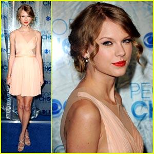 Taylor Swift Style on Ke Ying S Fashion And Stylish Blog  Taylor Swift Fashion Dresses 2011