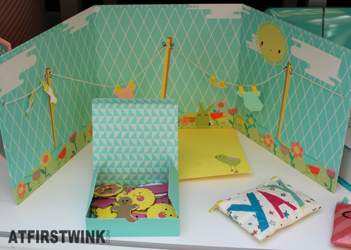 HEMA message board congratulations with birth baby and cookie box
