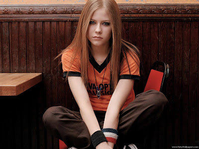 Avril Lavigne Hollywood Singer Wallpaper