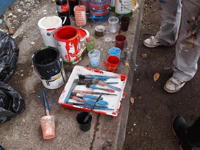 Restaurando el mural a Juan Alsina
