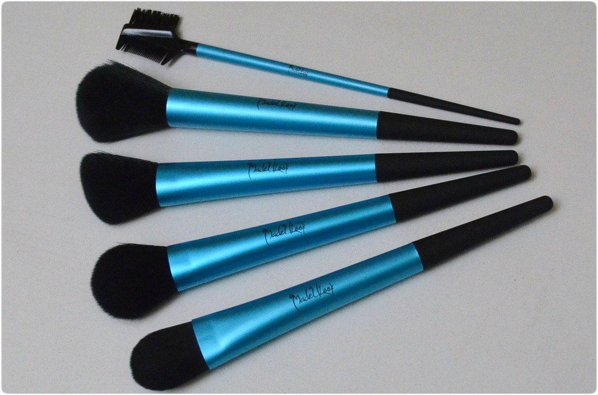 Piece Turquoise Brush Set
