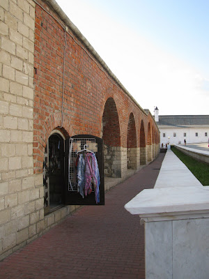 Лавки в прясле стены Казанского кремля