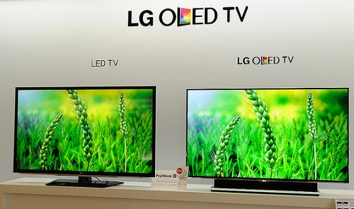 LG 55EM9600 has high-end Specifications & 55-Inch OLED Screen