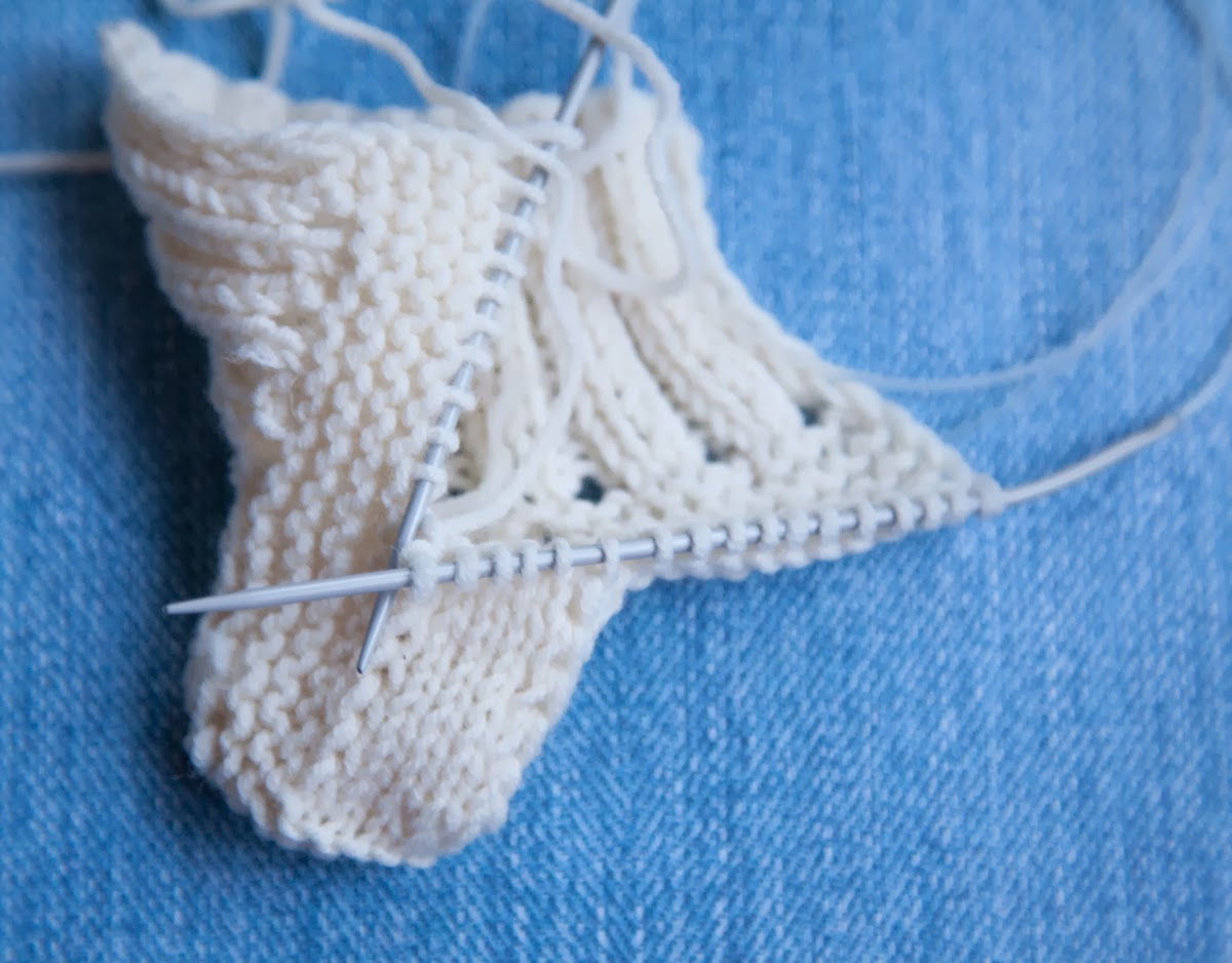 baby knitted uggs