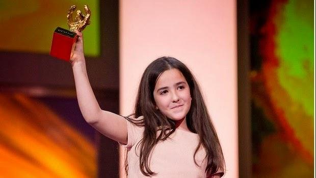 La nièce de Jafar Panahi a reçu l'ours d'or à Berlin pour son oncle
