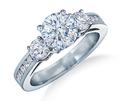 ENGAGEMENT RING / RINGS
