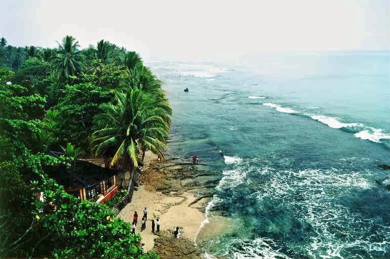 Lokasi Wisata Terseram Di Indonesia
