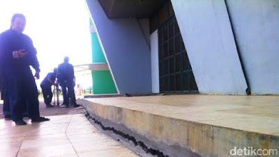 Kerusakan Bangunan Stadion GBLA Kian Parah