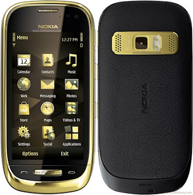 Nokia Oro gold-plated Version of Nokia C7