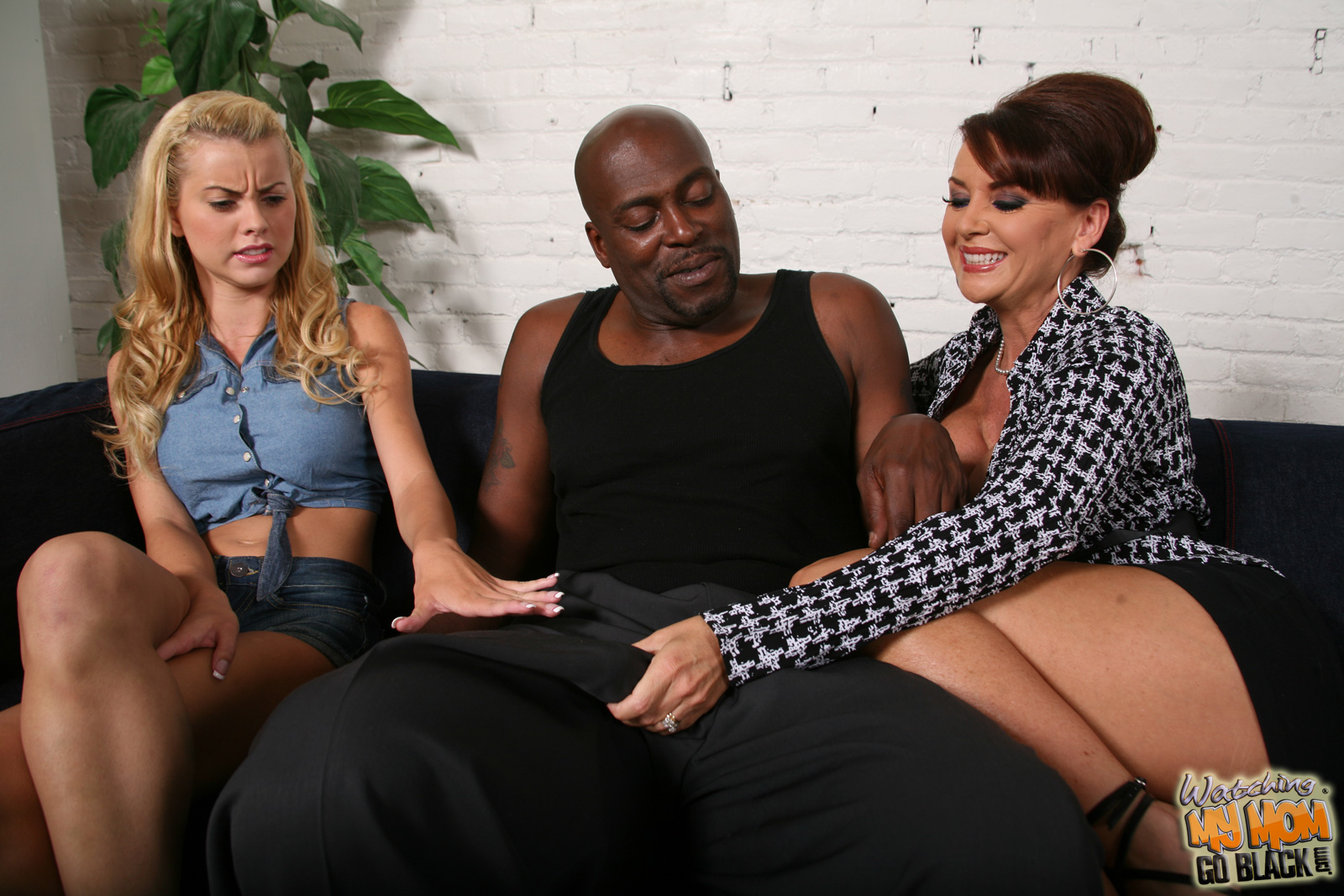 Watch pornstar ghetto twins