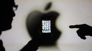 """Apple pourrait organiser un événement le 10 septembre 2013 pour le lancement de ses deux nouveaux modèles d'iPhones, d'après le """"Wall Street Journal""""."""