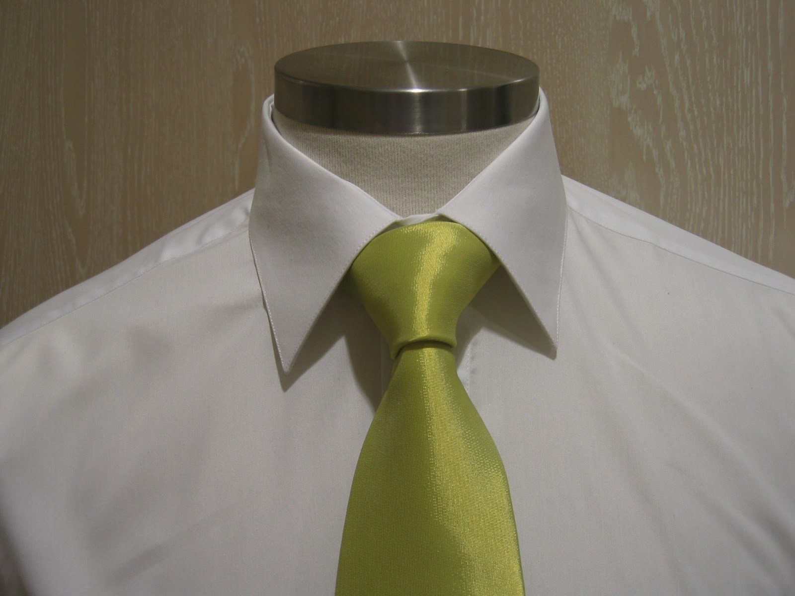 Como hacer nudo de corbata windsor perfecto paso a paso for Nudo de corbata windsor
