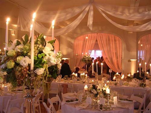 Weddingspies: Unique Wedding Decoration Ideas | Use Wedding Lights