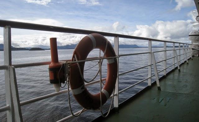 En barco por los fiordos chilenos