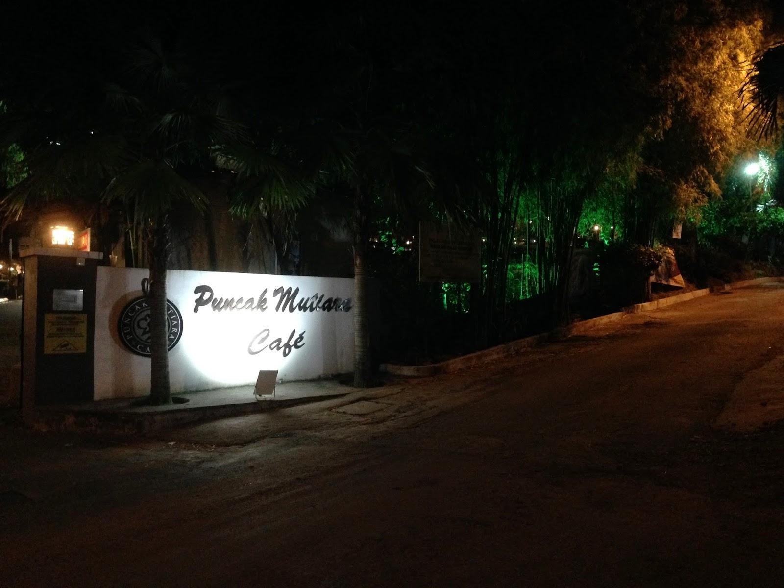 Puncak Mutiara Cafe entrance
