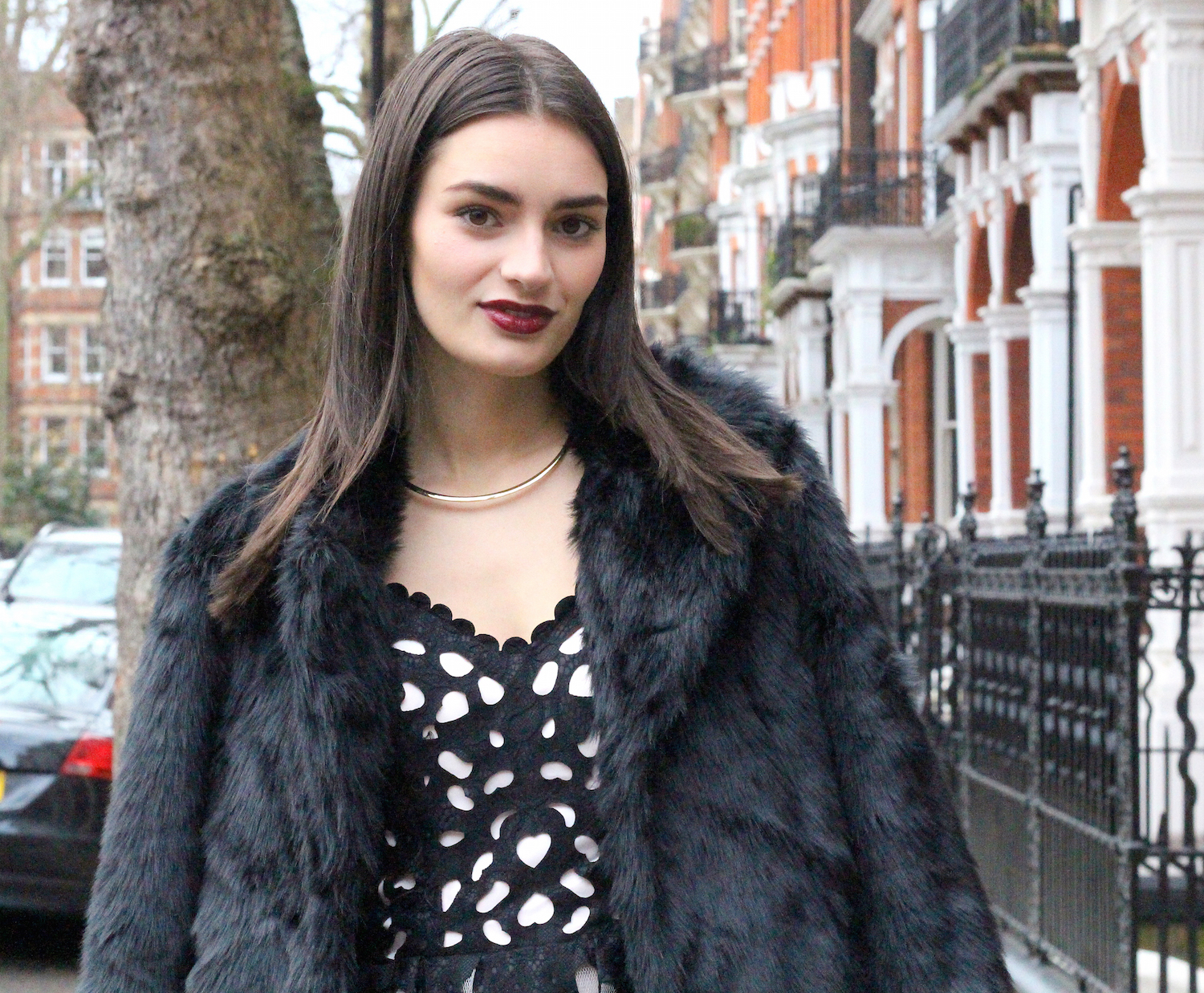 peexo fashion blogger wearing faux fur coat