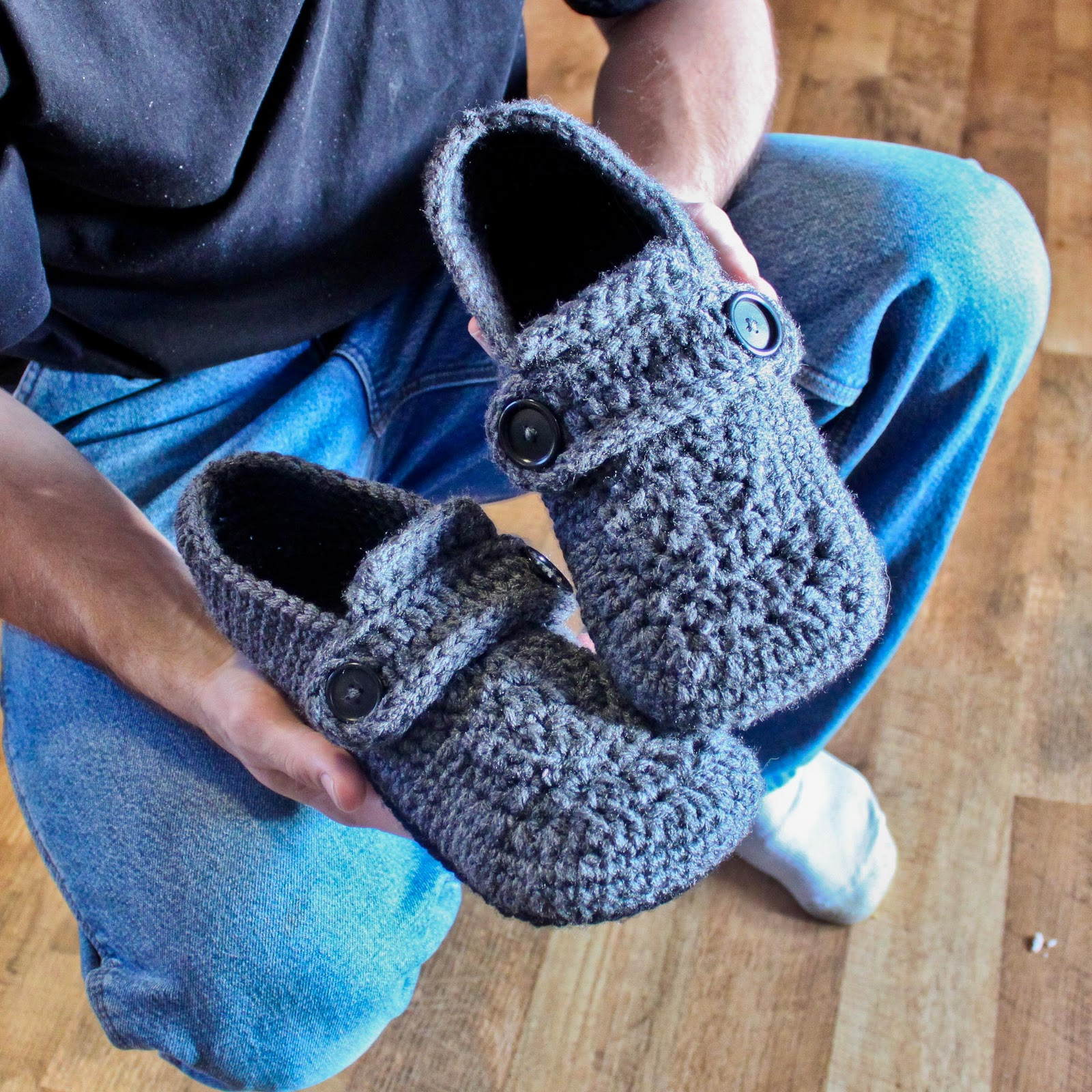 Crochet Shoes : Crochet For Free: Opa House Slippers (Child - Men Sizes)