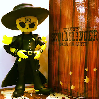 San Diego Comic-Con 2012 Exclusive Glow in the Dark Tuco Edition Skullslinger Vinyl Figure by Huck Gee