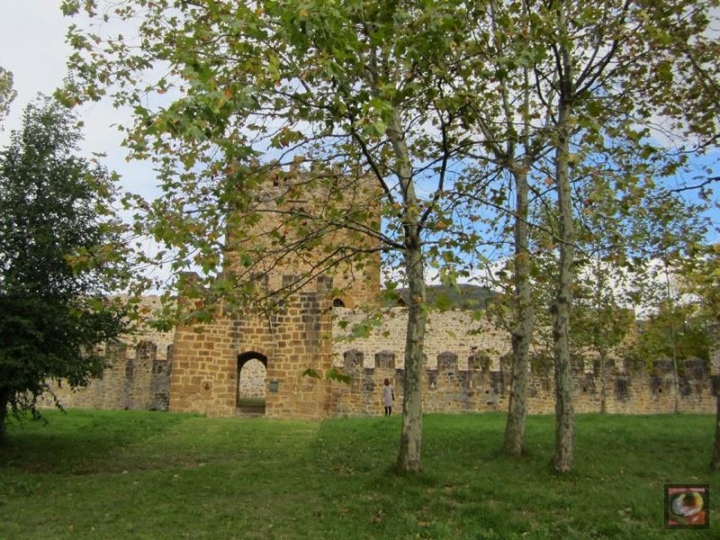 El Castillo de Muñatones y el palacio de Salazar en Muskiz (Bizkaia)