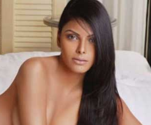 Desi hot and nude +non nude indian college girls18+