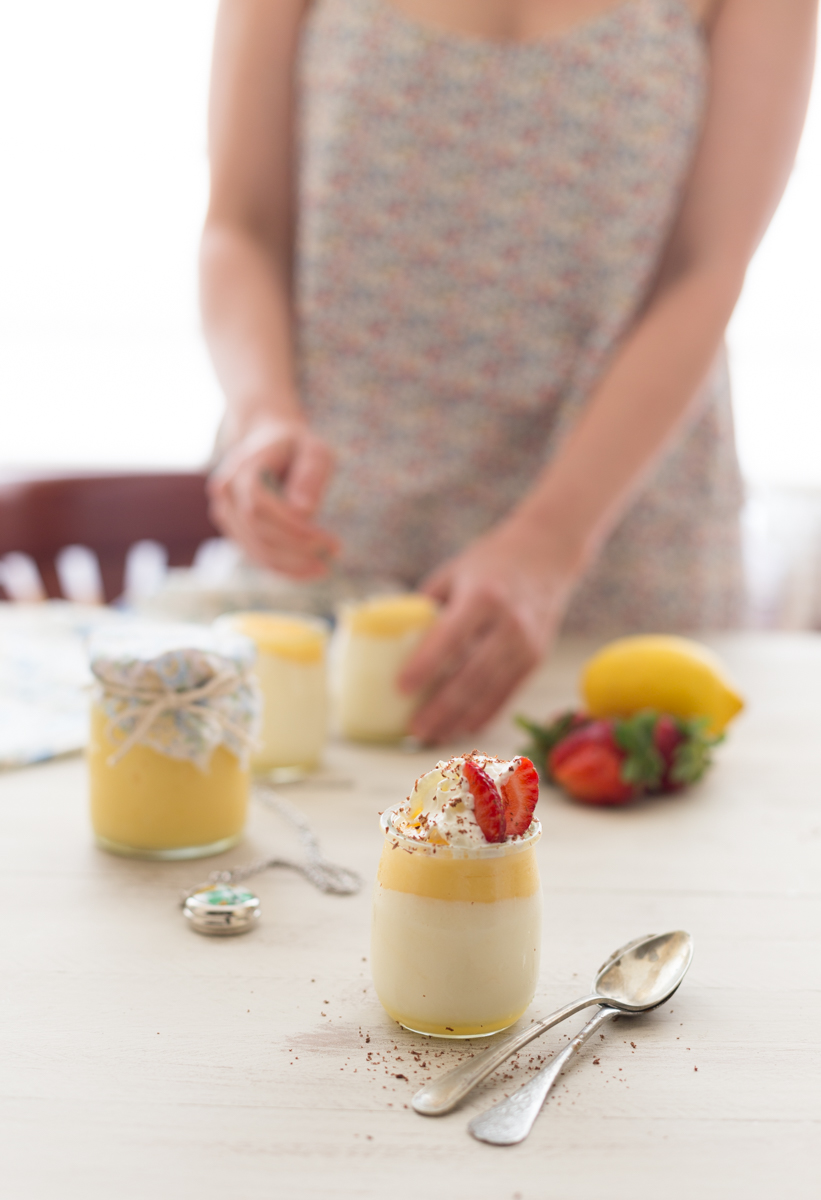 Mousse de yogur con lemon curd