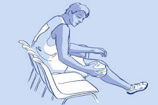 La bolsa de frío instantáneo TERMOCONFORT proporciona frío instantáneo, para reducir la inflamación y el dolor de golpes, esguinces, hematomas