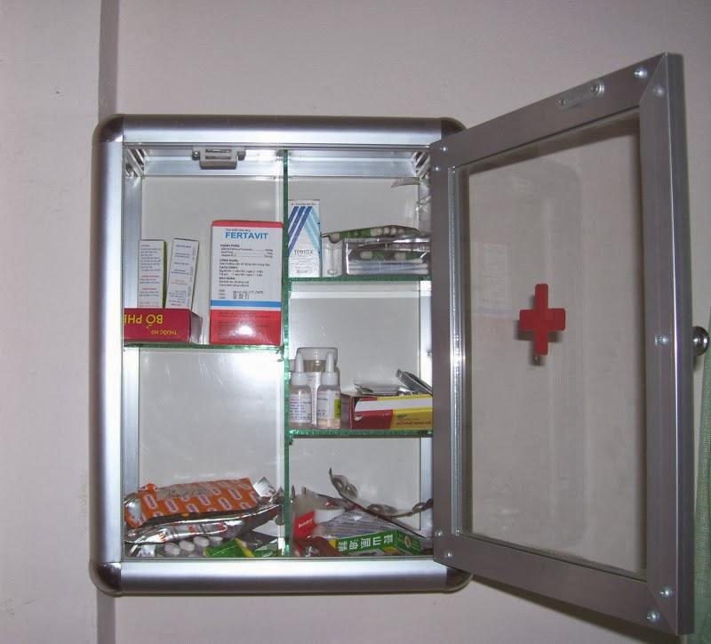 tủ thuốc nhôm kiếng 1