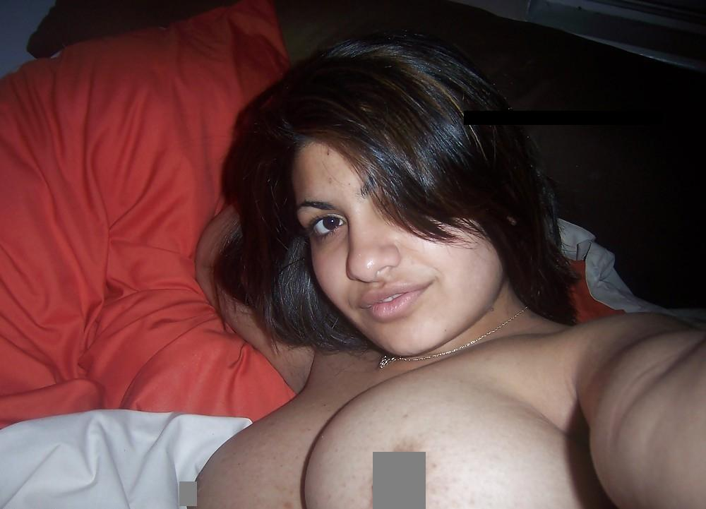 busty pakistan women naked