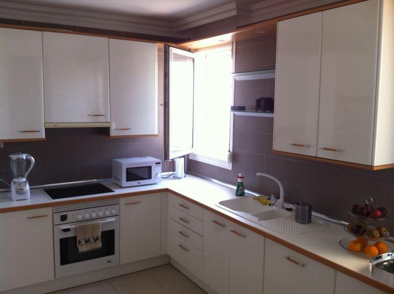 Tatiana doria renovar una cocina con poca obra y poco for Renovar cocina pequena