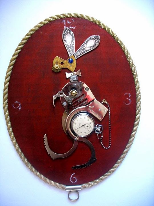 05-Handcuff-Rabbit-Arturas-Tamasauskas-Recycled-and-Upcycled-Steampunk-Sculptures-www-designstack-co